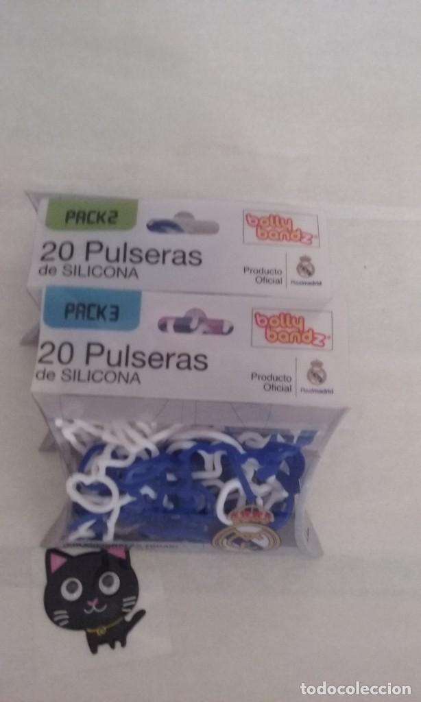 c643c4370cf3 3 fotos SET DE 2 JUEGOS DE PULSERAS DE SILICONA DEL REAL MADRID C.F. MARCA  BOLLY BANDZ ...