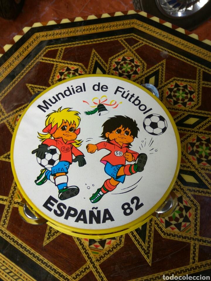 PANDERETA NARANJITO ESPAÑA 82 (Coleccionismo Deportivo - Merchandising y Mascotas - Futbol)