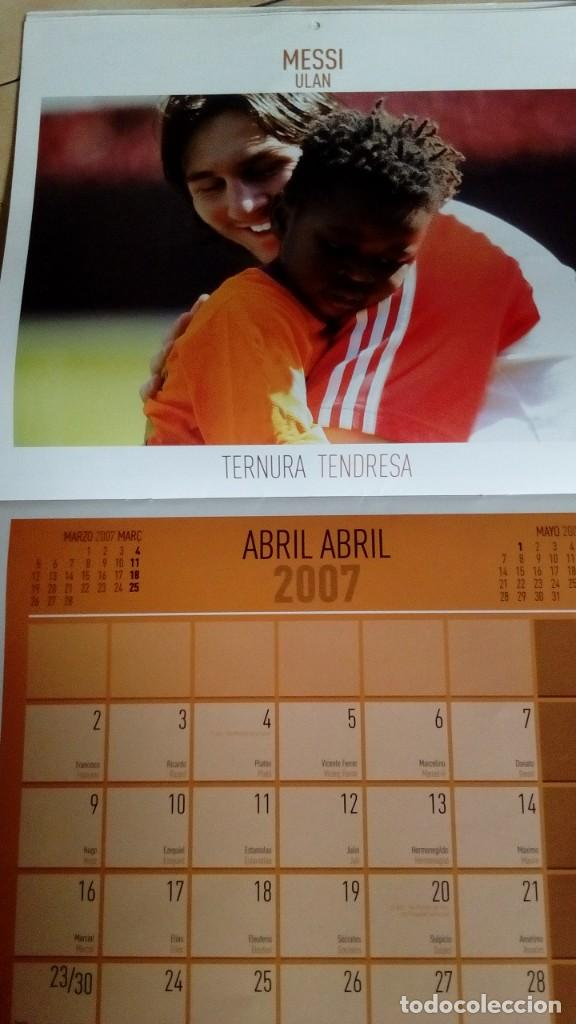 Coleccionismo deportivo: CALENDARIO SOLIDARIO DE PARED DEL FC BARCELONA 2007 - BARÇA UNICEF SPORT , MESSI ... - Foto 4 - 135910378