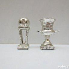 Coleccionismo deportivo: 2 COPAS METALICAS EN MINIATURA DEL REAL MADRID. Lote 136896310
