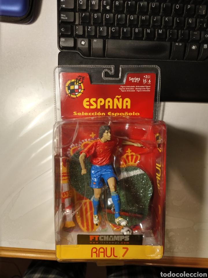 Coleccionismo deportivo: Figura muñeco acción Ftchamps Ft champs Raul Gonzalez España selección española Real Madrid 15 cm - Foto 2 - 141151076