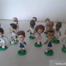 Coleccionismo deportivo: REAL MADRID FIGURAS TARGET REAL MADRID 2000 15 FIGURAS . Lote 143636042