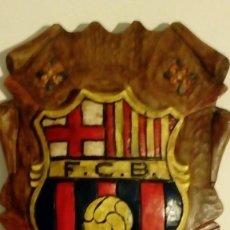 Coleccionismo deportivo: PRECIOSO ESCUDO TROQUELADO DE CERAMICA - FUTBOL CLUB BARCELONA F.C.B. BARÇA. Lote 144637162