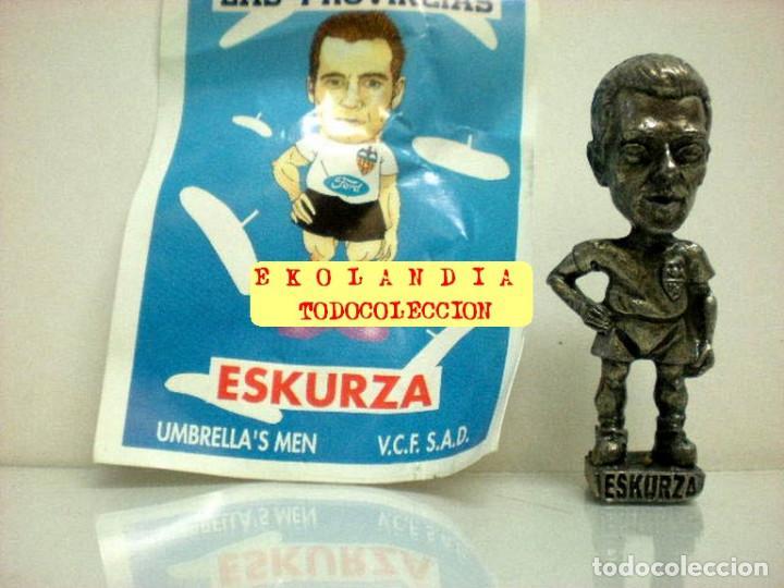 Coleccionismo deportivo: 20 FIGURITAS METALICAS EKL JUGADORES DEL VALENCIA FC, FUTBOLISTAS EN MINIATURA - Foto 8 - 144839298