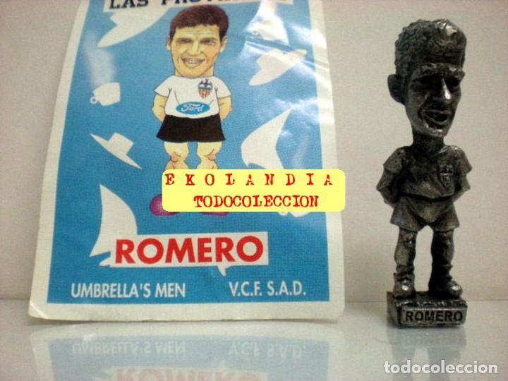 Coleccionismo deportivo: 20 FIGURITAS METALICAS EKL JUGADORES DEL VALENCIA FC, FUTBOLISTAS EN MINIATURA - Foto 9 - 144839298