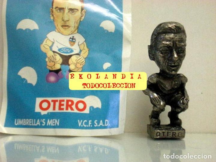 Coleccionismo deportivo: 20 FIGURITAS METALICAS EKL JUGADORES DEL VALENCIA FC, FUTBOLISTAS EN MINIATURA - Foto 12 - 144839298