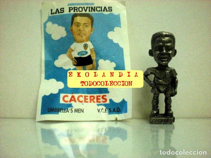 Coleccionismo deportivo: 20 FIGURITAS METALICAS EKL JUGADORES DEL VALENCIA FC, FUTBOLISTAS EN MINIATURA - Foto 13 - 144839298