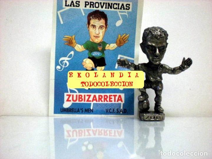 Coleccionismo deportivo: 20 FIGURITAS METALICAS EKL JUGADORES DEL VALENCIA FC, FUTBOLISTAS EN MINIATURA - Foto 16 - 144839298