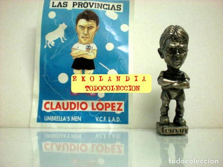 Coleccionismo deportivo: 20 FIGURITAS METALICAS EKL JUGADORES DEL VALENCIA FC, FUTBOLISTAS EN MINIATURA - Foto 17 - 144839298