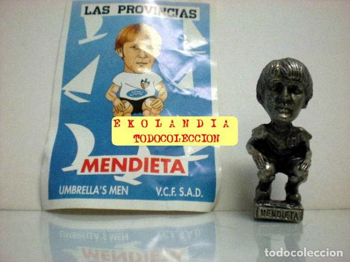 Coleccionismo deportivo: 20 FIGURITAS METALICAS EKL JUGADORES DEL VALENCIA FC, FUTBOLISTAS EN MINIATURA - Foto 18 - 144839298