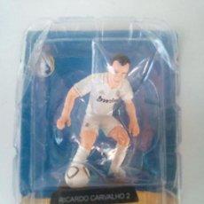 Coleccionismo deportivo: JUGADOR REAL MADRID - METAL. Lote 145433686