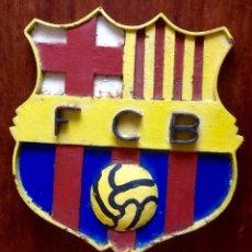 Coleccionismo deportivo: FUTBOL CLUB BARCELONA. PLACA-EMBLEMA DE HIERRO PINTADO.. ENVIO CERTIFICADO INCLUIDO.. Lote 145603598
