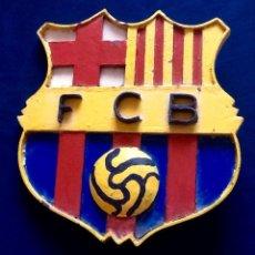 Coleccionismo deportivo: FUTBOL CLUB BARCELONA. PLACA-EMBLEMA DE HIERRO PINTADO.. ENVIO CERTIFICADO INCLUIDO.. Lote 145603682