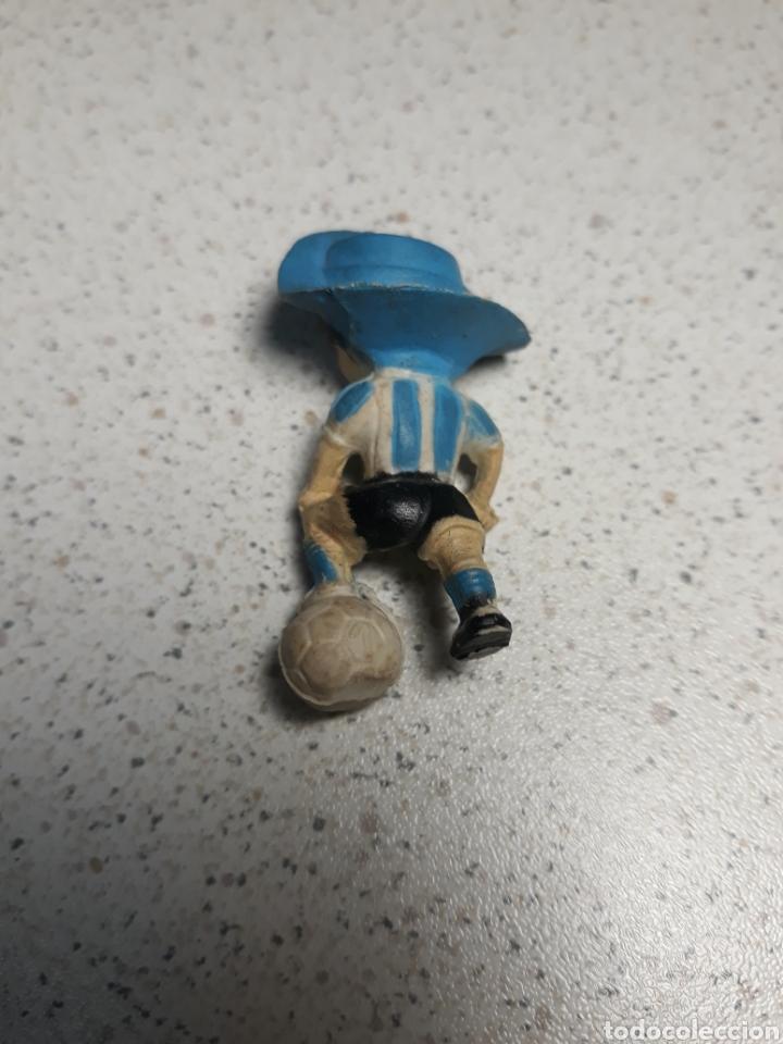 Coleccionismo deportivo: Llavero de gauchito, mascota del mundial de Argentina 1978 .No tiene el enganche - Foto 2 - 145662801