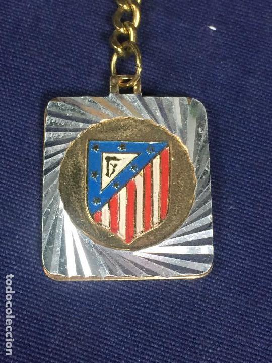 Coleccionismo deportivo: LLAVERO ATLETICO MADRID METAL PINTADO NUEVO VER FOTOS 38X30MM - Foto 2 - 146085798