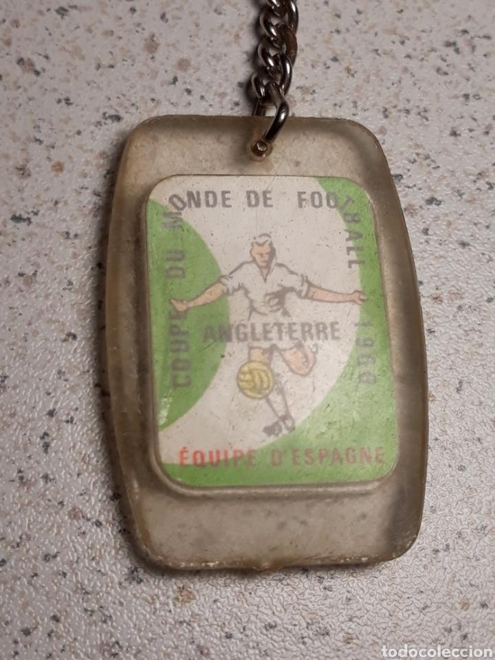 LLAVERO EN METACRILATO DEL MUNDIAL DE FUTBOL DE INGLATERRA 1966 . SELECCIÓN ESPAÑA . GAULOIS (Coleccionismo Deportivo - Merchandising y Mascotas - Futbol)