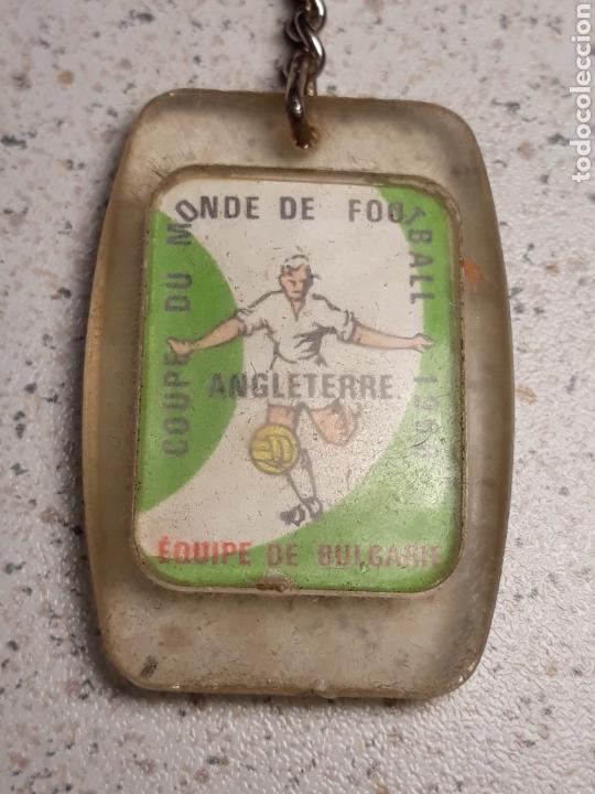 LLAVERO EN METACRILATO DEL MUNDIAL DE FUTBOL DE INGLATERRA 1966 . SELECCIÓN BULGARIA . GAULOIS (Coleccionismo Deportivo - Merchandising y Mascotas - Futbol)