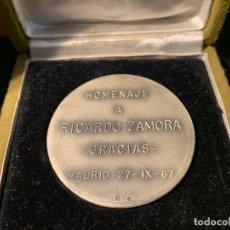 Coleccionismo deportivo: MEDALLA HOMENAJE A RICARDO ZAMORA 1967 DE PLATA FUTBOL CLUB FC BARCELONA CF BARÇA F.C UNA JOYA. Lote 147421018