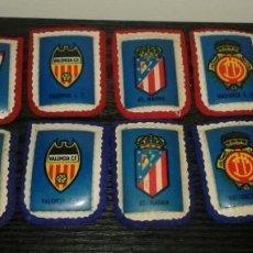 Coleccionismo deportivo: -ESCUDO DE TELA ANTIGUO DE FUTBOL : LOTE DE 12 DIFERENTES. Lote 148378254