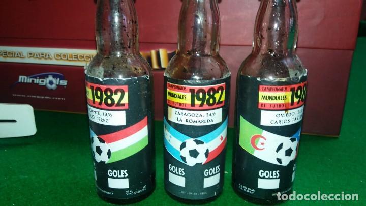 Coleccionismo deportivo: 3 ESTUCHES DE BOTELLINES DE VINOS ESPAÑOLES MUNDIAL 82 (ver fotos ) - Foto 4 - 150097474