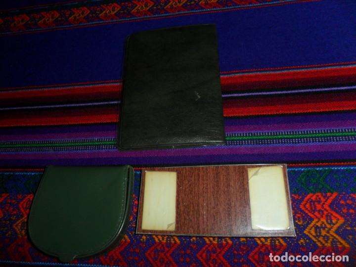 Coleccionismo deportivo: ESCUDO ATLÉTICO DE MADRID PORTAFOTOS SEAT 1500, MONEDERO PIEL, CARTERA PEÑA EUSEBIO REGALO INSTANTES - Foto 2 - 150313918