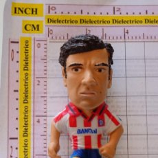 Coleccionismo deportivo: FIGURA FIGURITA MUÑECO BANDAI ATLÉTICO DE MADRID 1996. FÚTBOL. FUTBOLISTA. SOLOZÁBAL. 30 GR. Lote 150490678