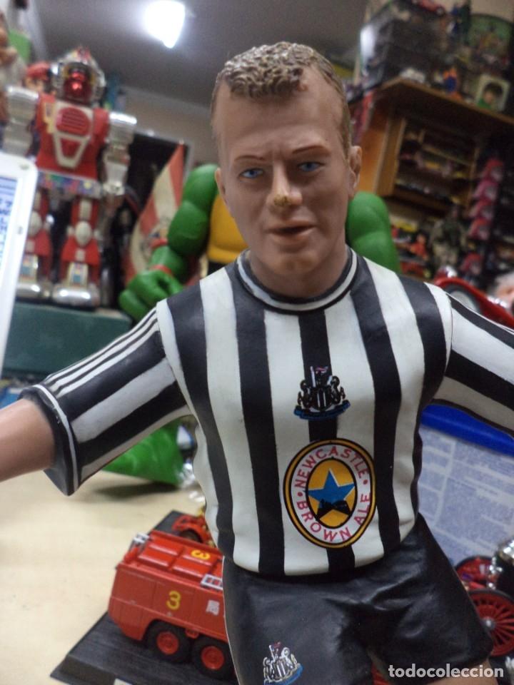 Coleccionismo deportivo: Alan Shearer.Newcastle United.England.Figura de PVC.Vivid 1996.22 cm.Premier Leage. - Foto 2 - 151706534