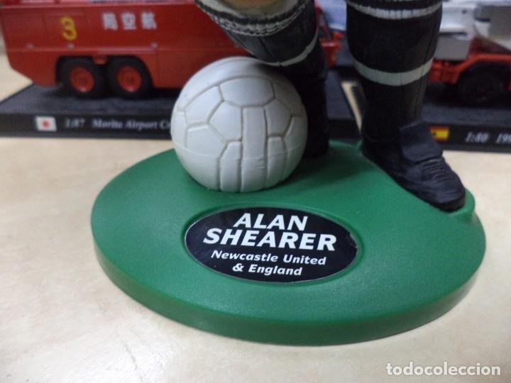 Coleccionismo deportivo: Alan Shearer.Newcastle United.England.Figura de PVC.Vivid 1996.22 cm.Premier Leage. - Foto 4 - 151706534