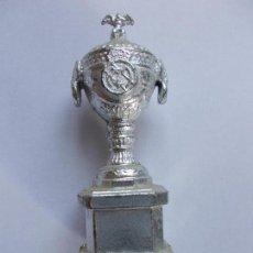 Coleccionismo deportivo: TROFEO EN MINIATURA REAL MADRID DIARIO AS. Lote 160151086