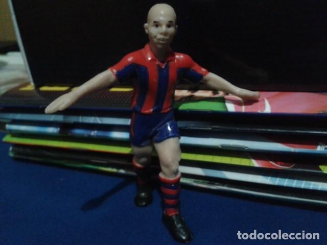FIGURA F.C. BRCELONA ( RONALDO Nº 9 ) DE 10 CM DE ALTURA (Coleccionismo Deportivo - Merchandising y Mascotas - Futbol)