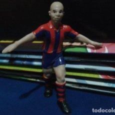 Coleccionismo deportivo: FIGURA F.C. BRCELONA ( RONALDO Nº 9 ) DE 10 CM DE ALTURA. Lote 160514794