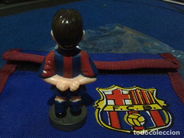 Coleccionismo deportivo: FIGURA F.C. BRCELONA ( XAVI HERNANDEZ ) DE 5´5 CM DE ALTURA - Foto 2 - 160515138