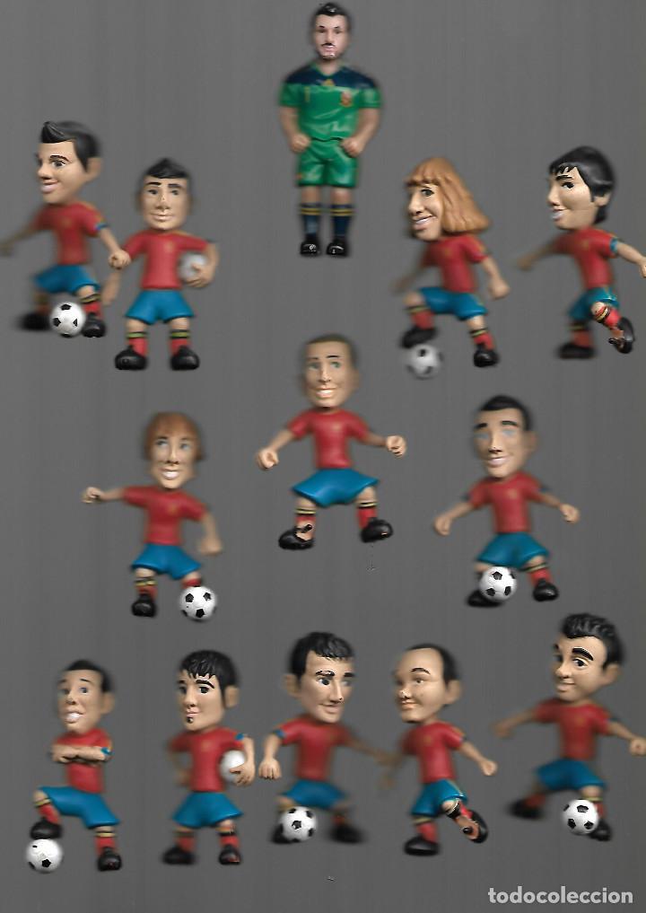 RAROS MUÑECOS DE LA SELECCION ESPAÑOLA DE 6 CM DEALTO POR 2,5 DE ANCHO (Coleccionismo Deportivo - Merchandising y Mascotas - Futbol)