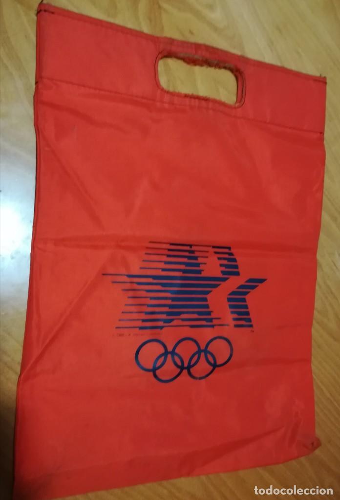 Coleccionismo deportivo: AÑOS 80 BOLSA TELA PUBLICIDAD MARCA ADIDAS Y OLIMPICS 1980 OLIMPIADAS - Foto 2 - 165955658