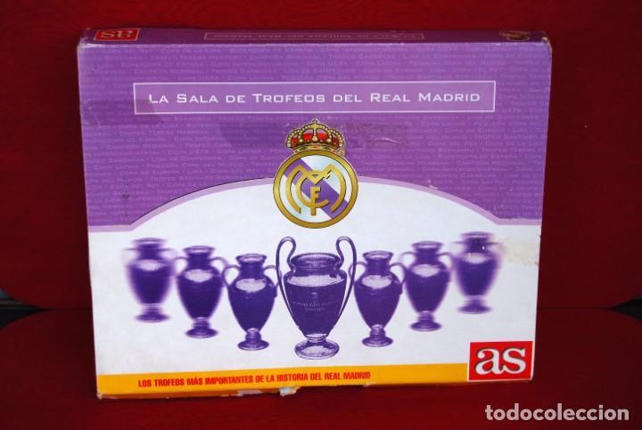 Coleccionismo deportivo: REAL MADRID Sala de Trofeos 21 Réplicas en miniatura de Copas Trofeos más importantes de su historia - Foto 2 - 165983826