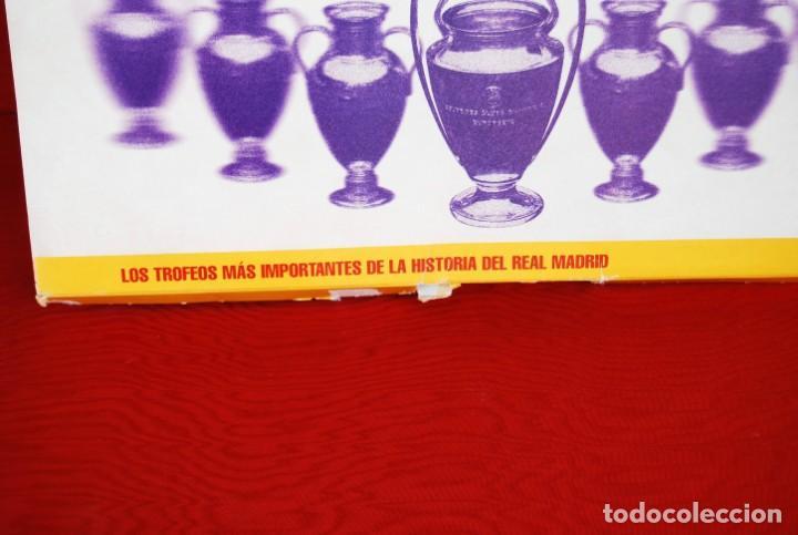 Coleccionismo deportivo: REAL MADRID Sala de Trofeos 21 Réplicas en miniatura de Copas Trofeos más importantes de su historia - Foto 6 - 165983826