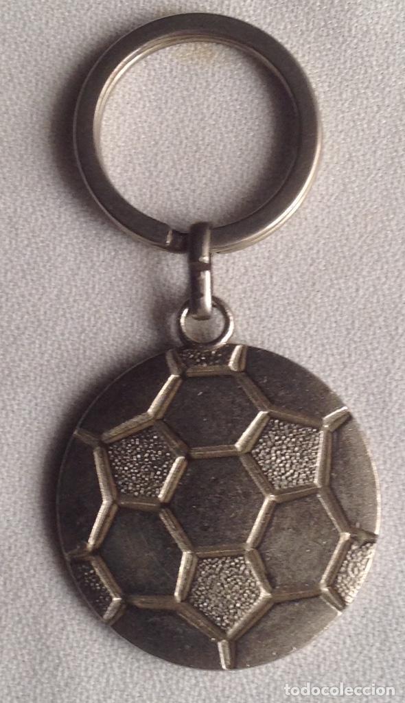 Coleccionismo deportivo: ANTIGUO LLAVERO FUTBOL FC BARCELONA, RONALDO - Foto 4 - 166416982