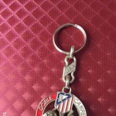 Coleccionismo deportivo: LLAVERO LINEVA DEL ATLETICO DE MADRID DOBLETE 1995/96 95-96 PLATEADO. Lote 167073260