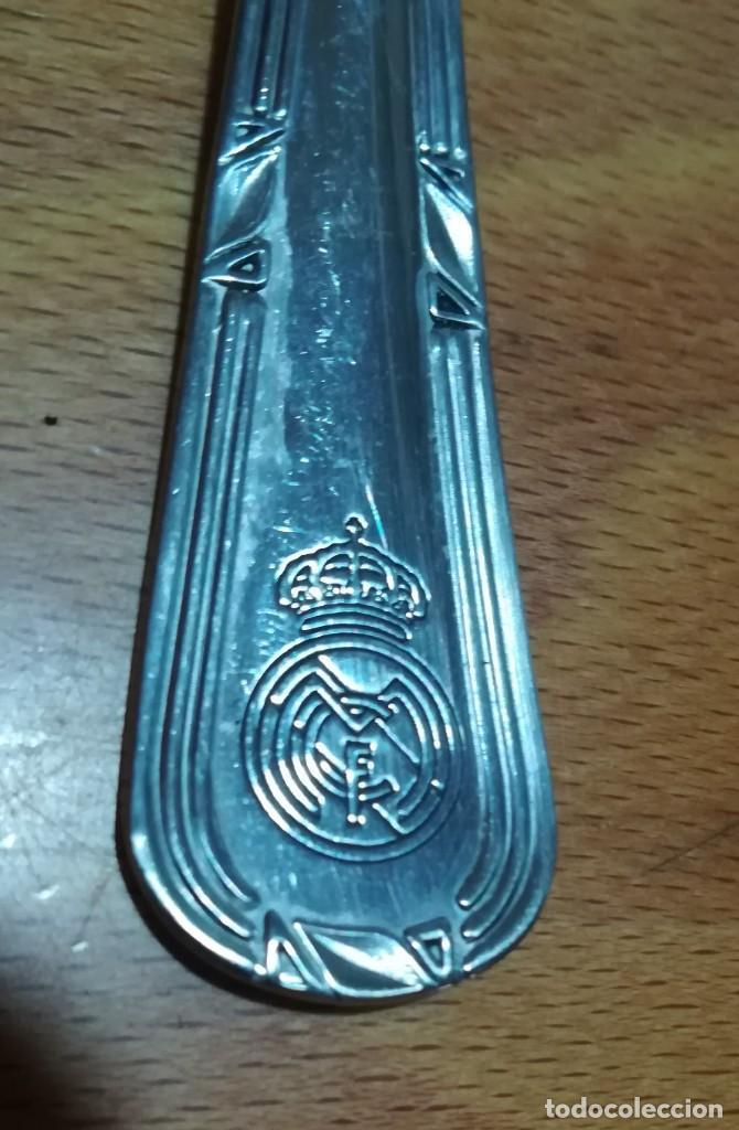 TENEDOR CON ESCUDO DEL REAL MADRID (Coleccionismo Deportivo - Merchandising y Mascotas - Futbol)