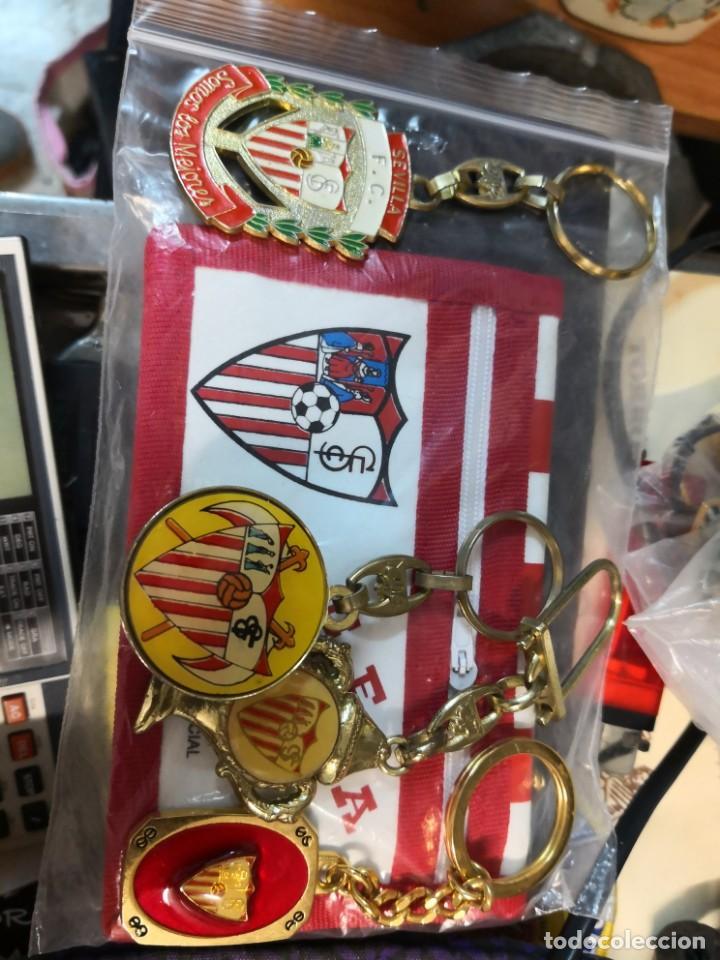 PACK LOTE COLECCIÓNABLES DEL SEVILLA FÚTBOL CLUB DE 4 LLAVEROS MÁS CARTERA (Coleccionismo Deportivo - Merchandising y Mascotas - Futbol)