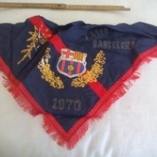Coleccionismo deportivo: ANTIGUO PAÑUELO, CLUB DE FUTBOL BARCELONA. 1970. C.F.B. AUPA BARCELONA.. Lote 171503013