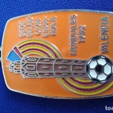Coleccionismo deportivo: LLAVERO MUDIAL 1982 SEDE SELECCION ESPAÑOLA EN VALENCIA. Lote 174107678