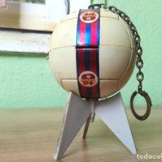 Coleccionismo deportivo: ANTIGUO TRANSISTOR DEL CLUB DE FUTBOL BARCELONA - ANTIGUA RADIO LLAVERO MUY RARA. Lote 174702302
