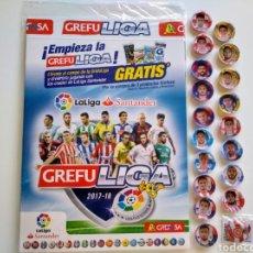 Coleccionismo deportivo: GREFUSA.19 GREFUCHAPAS LA LIGA SANTANDER 2017-18 Y ÁLBUM PRECINTADO GREFULIGA 2017-18. Lote 135035395