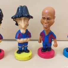 Coleccionismo deportivo: LOTE 4 MUÑECOS DE GOMA FC BARCELONA 2001 RONALDO. Lote 175588474