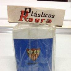 Coleccionismo deportivo: ANTIGUA RARA HUCHA DE BOLSILLO CLUB DE FUTBOL SEVILLA. Lote 175727685