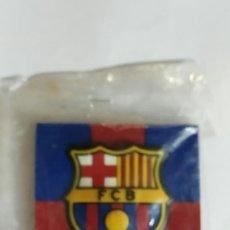 Coleccionismo deportivo: IMAN ESCUDO DE FCBARCELONA PRODUCTO LICENCIADO/ HEMA. Lote 176391113