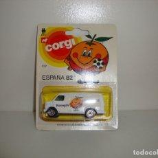 Collectionnisme sportif: FURGONETA CORGI ESPAÑA 82 CON DISPLAY. Lote 177310917