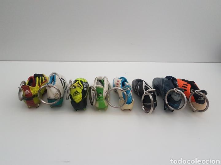 Coleccionismo deportivo: 8 Llaveros botas futbol. Iker Casillas, Messi, Villa, Xavi, etc... Marca. - Foto 2 - 178078302