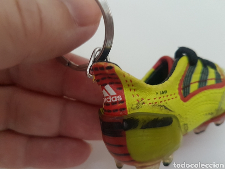 Coleccionismo deportivo: 8 Llaveros botas futbol. Iker Casillas, Messi, Villa, Xavi, etc... Marca. - Foto 3 - 178078302